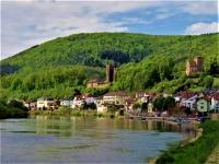 Mittel- und Vorderburg in der Vierburgenstadt Neckarsteinachvon Gerhard Lahres