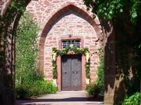 eingang-schoellenbacher-kirche-copyright-gabriela-vogel